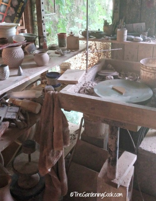 Pottery tools and wheels