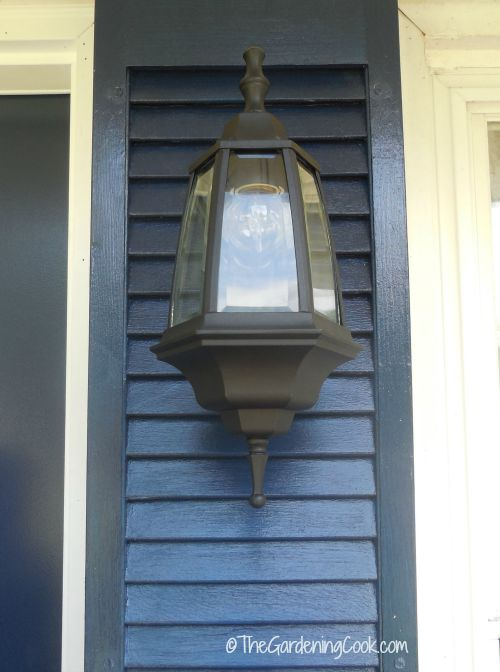 A new front light adds great curb appeal