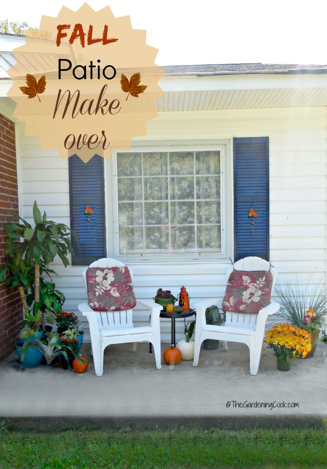 This budget friendly fall patio make over matches the change of the seasons perfectly.