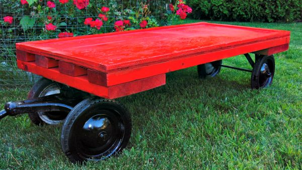 Flat bed wagon