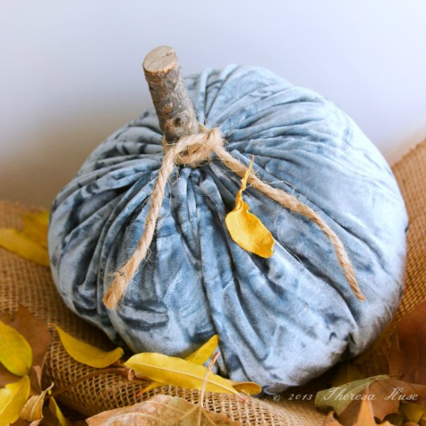 Velvet Pumpkins from dearcreatives.com