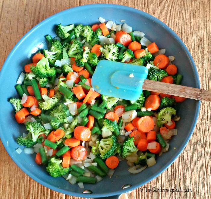 Cooked veggies for Chicken pie