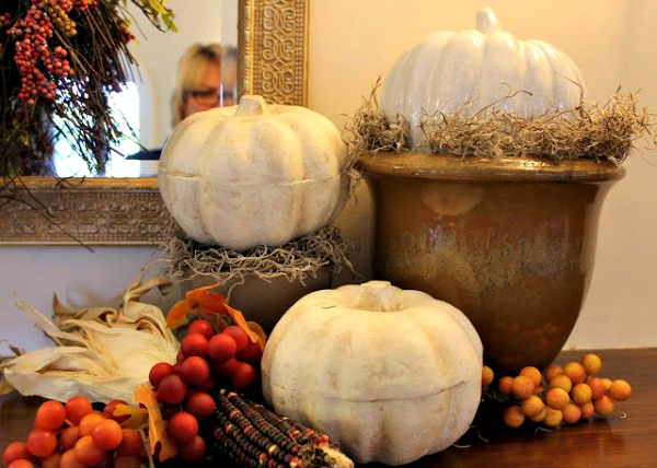 fall mantle decorations from newhousenewhomenewlife.com