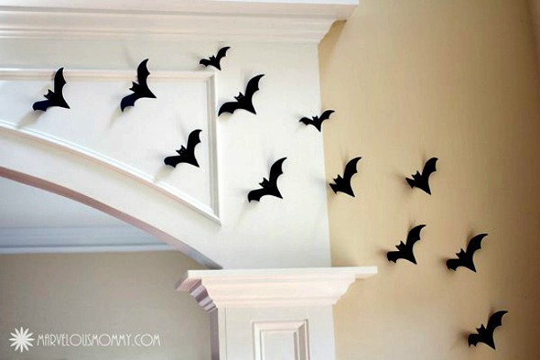Transform your ceiling into a wall of bats from marvelousmommy.com