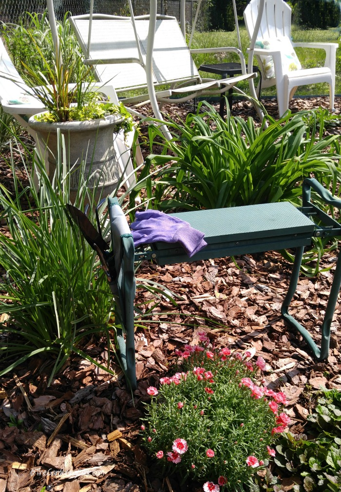 Specialty seat and kneeling stools helps with arthritis.