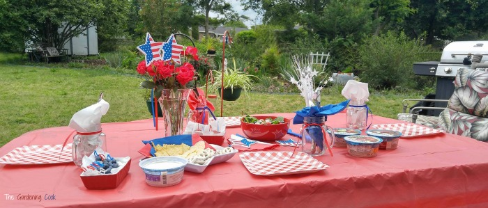 Patriotic outdoor Tablescape for Memorial day or the Fourth of July