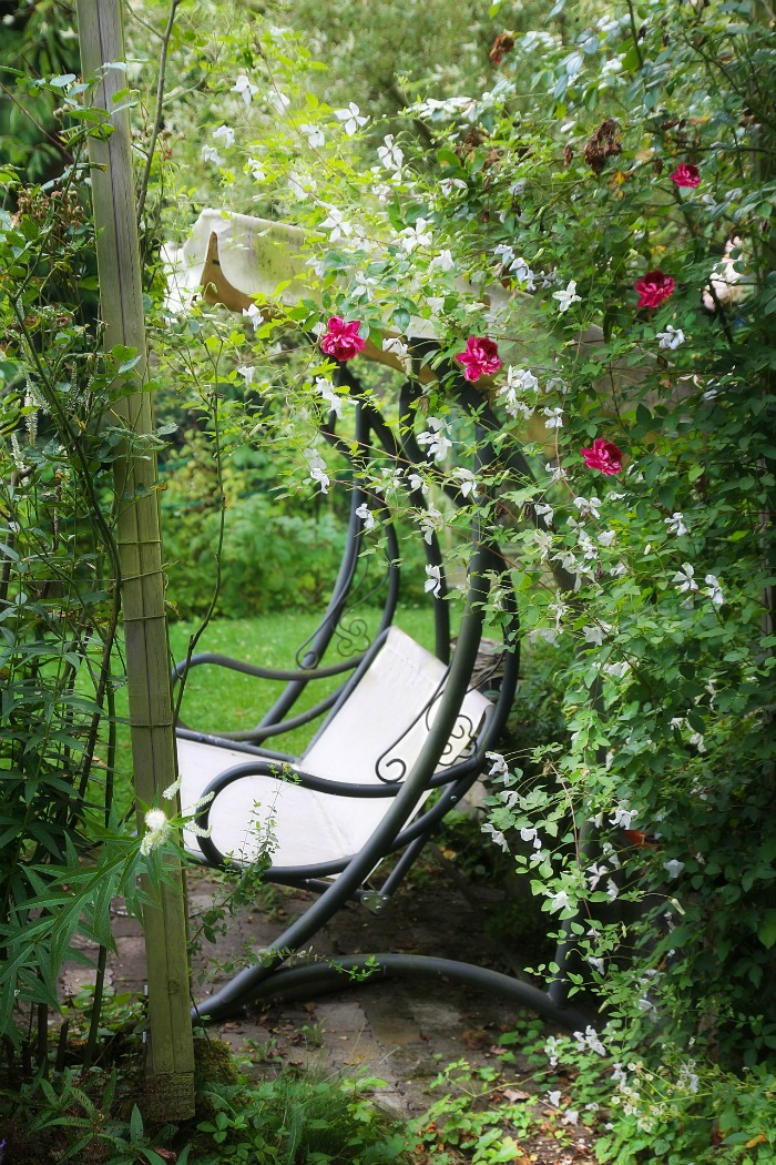 Garden Benches 15 Creative Idea To Relax In Style