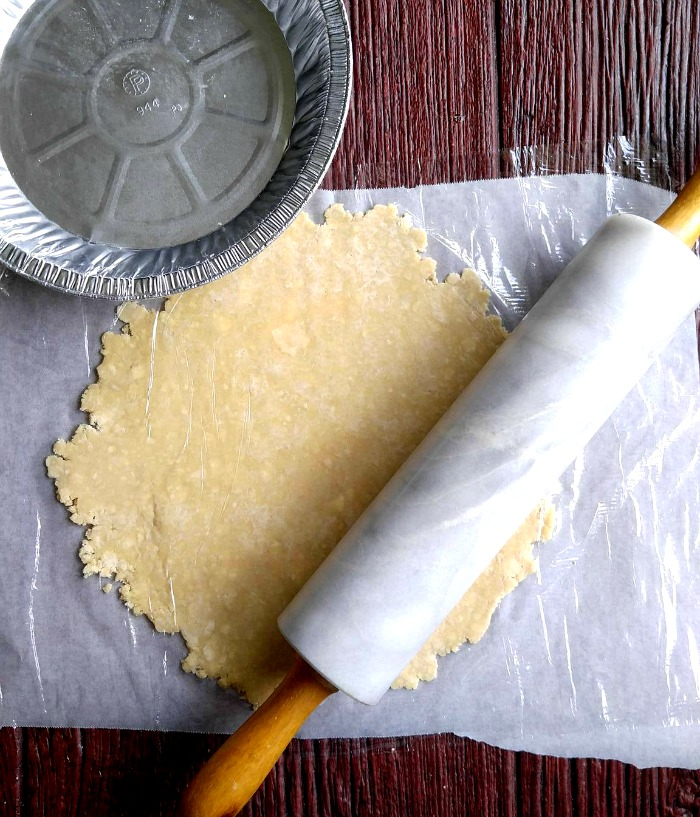 parchment paper uses Michelle marie shows you how to get fit in the kitchen by showing you how to use parchment paper to make baked healthy snacks and vegetables without using.