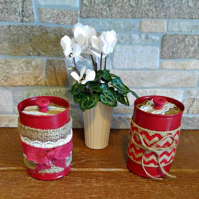 DIY Burlap Tea Bag Jars and flowers