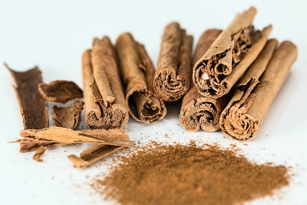 Cinnamon disrupts ants sense of smell