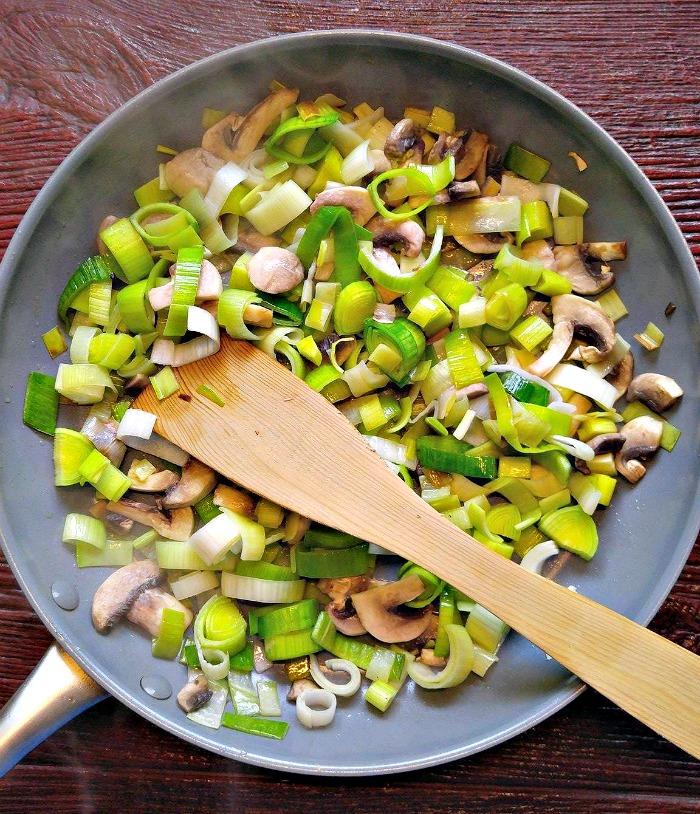 Leeks and mushrooms cooking