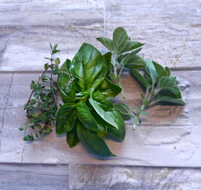 Thyme, basil and fresh oregano