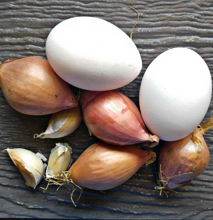 Eggs, shallots and garlic