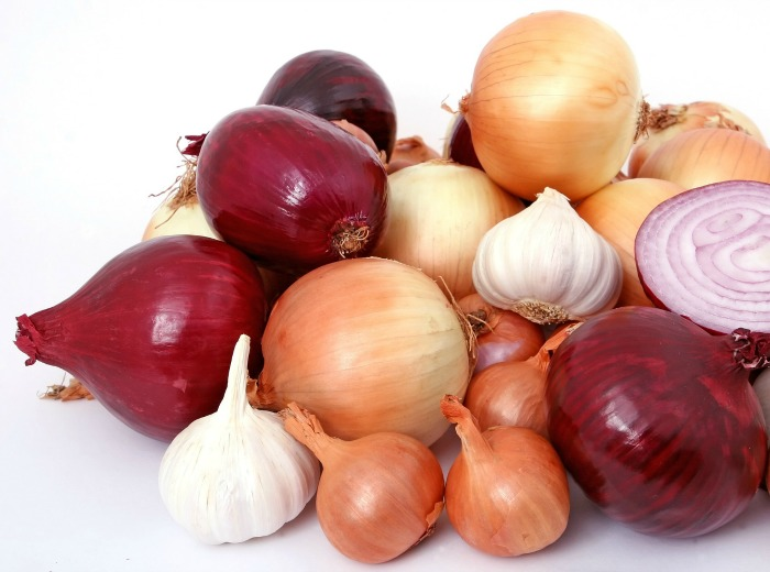 onions, garlic and shallots are all part of the allium family. Do you know the differences between them?