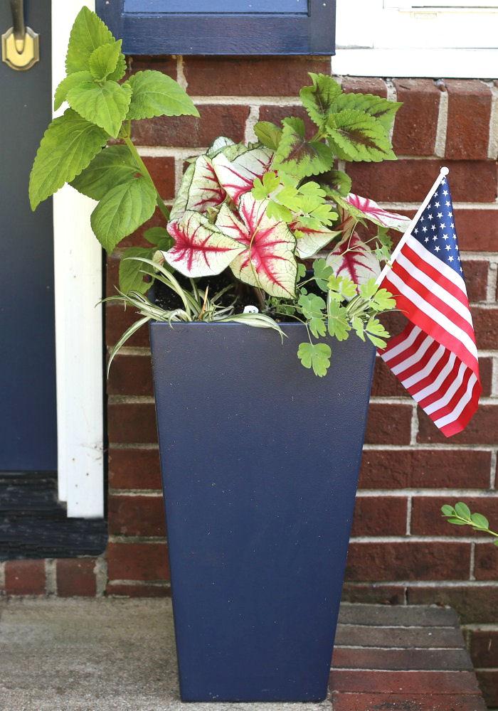 Patriotic flag planter