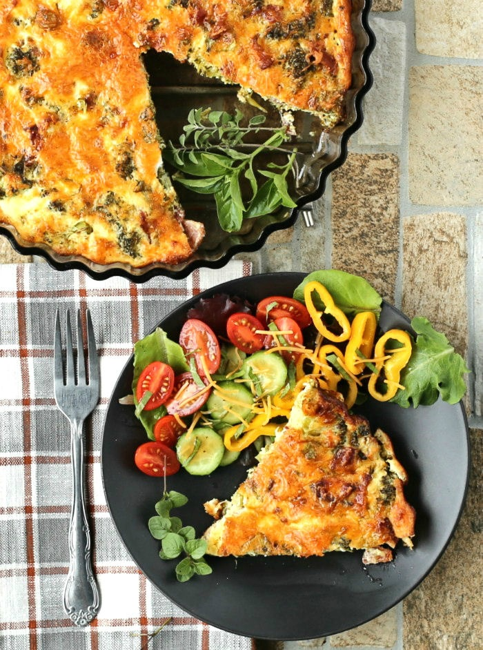Crustless breakfast quiche