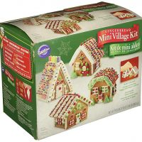 Wilton Build It Yourself Mini Village Gingerbread House Decorating Kit