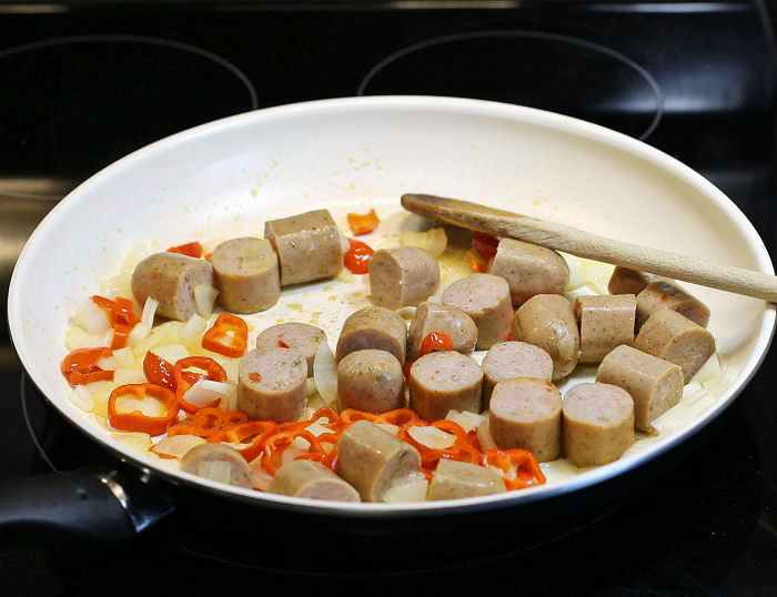 sausages with onions and peppers