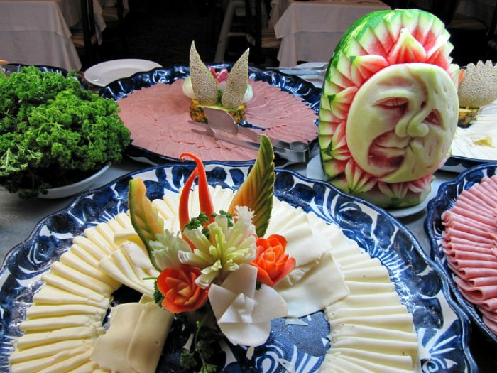 Food art and carvings
