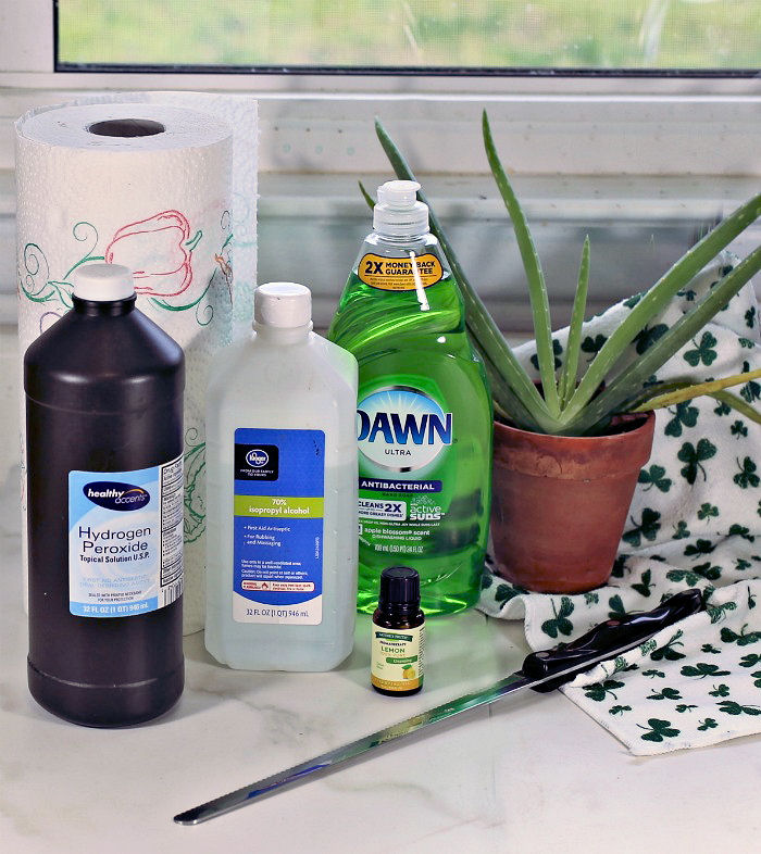 Ingredients for DIY disinfecting wipes