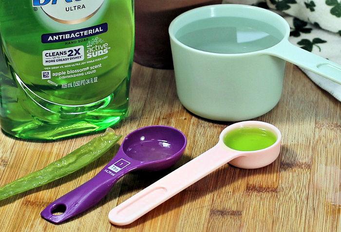 Aloe vera gel and Dawn detergent