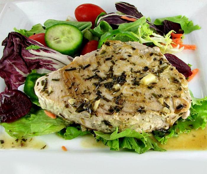 Tuna with a tarragon butter sauce