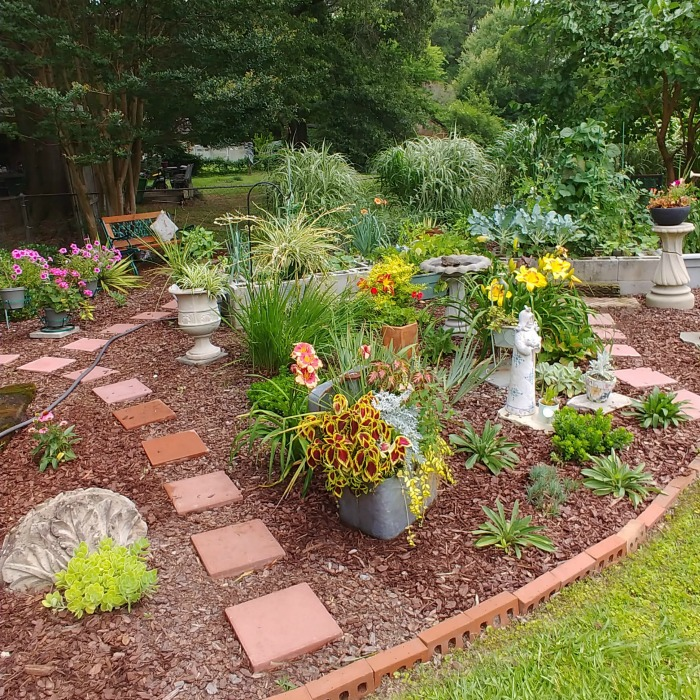 Combination garden with vegetables and flowers