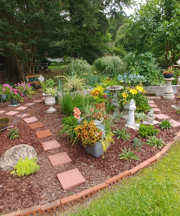 Mixed vegetable and flower garden