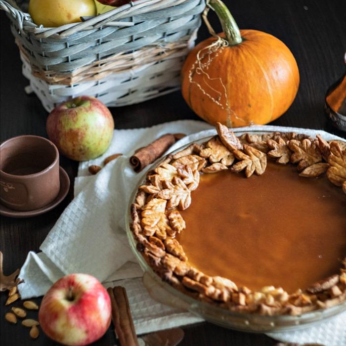 Leaf pie crust design